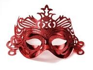 Maska červená s ornamentem