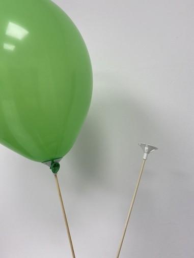 Plastový držiak na balónik